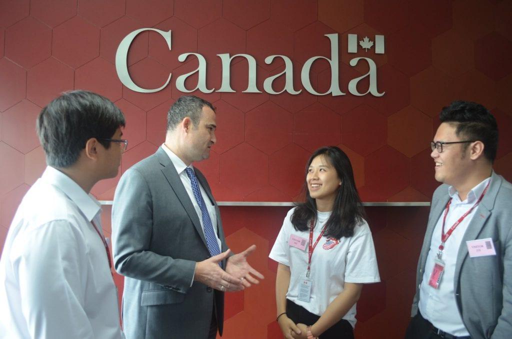 Định cư Canada theo diện đầu tư bao nhiêu tiền?