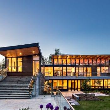 Bán nhà ở toronto Canada.