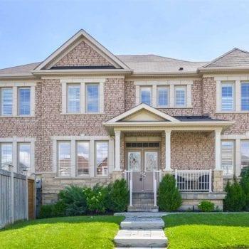 Du học sinh mua nhà ở Canada