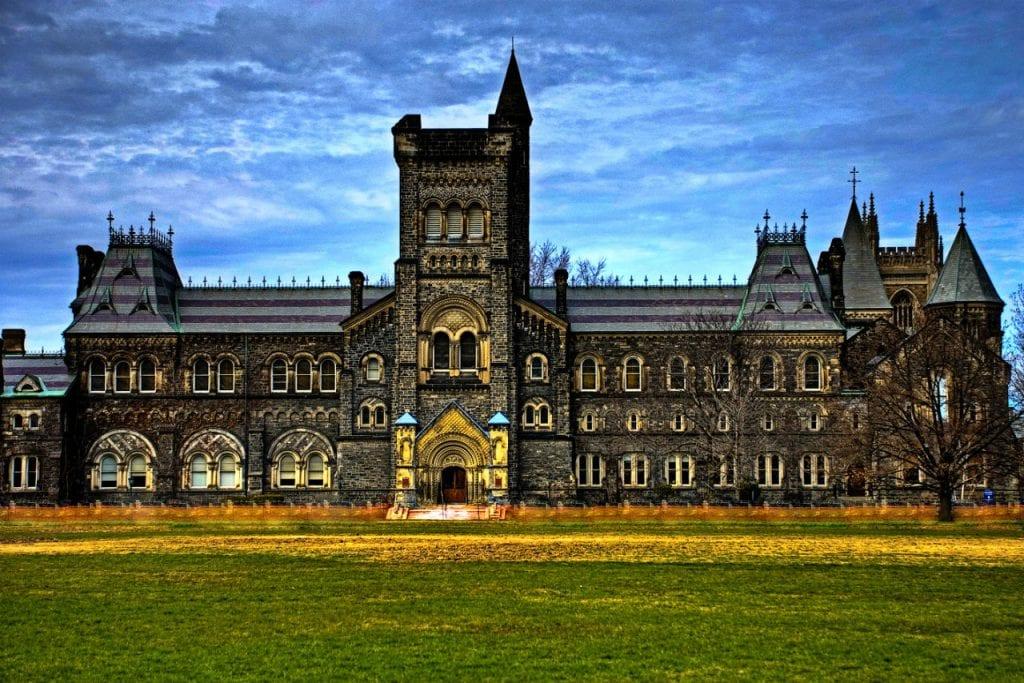 Các trường đại học ở Toronto
