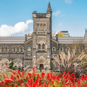 đại học victoria Canada