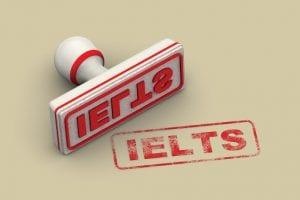 Xét theo band điểm IELTS, trình độ của bạn tối thiểu cần đạt 4.5.