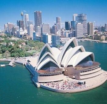 Xuất khẩu lao đông Úc có bằng đại học hay không?